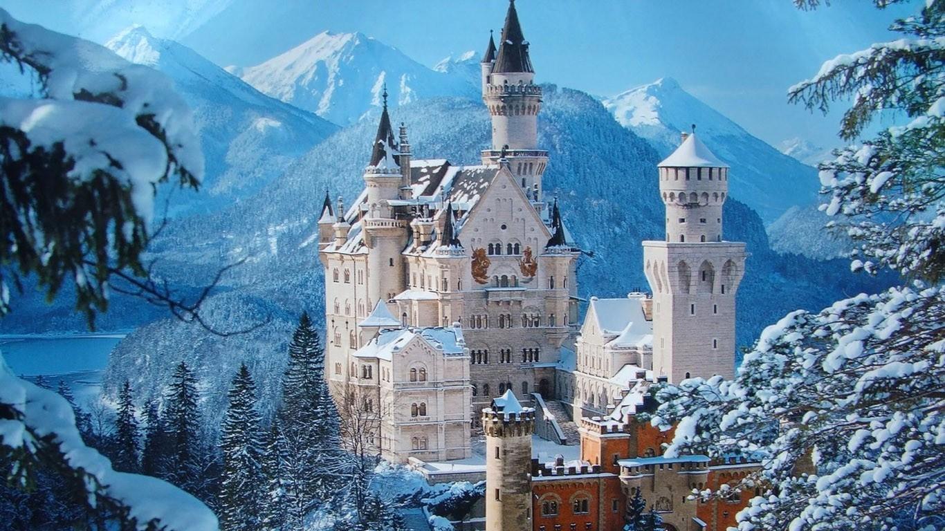 neuschwanstein-castle-buildings-cityscapes-2775914-1366x768
